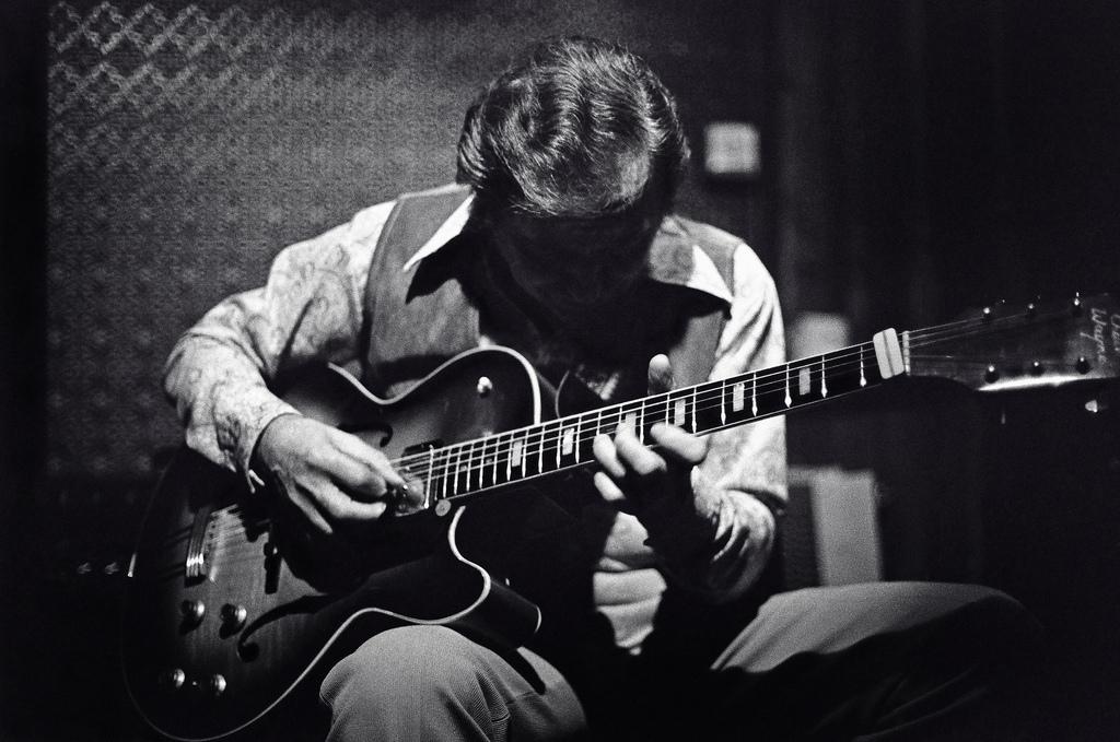 slika kako postati boljši kitarist