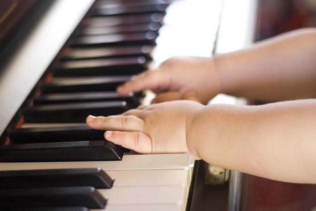 slika pomen glasbenega udejstvovanja in izobraževanja