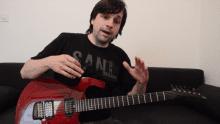 Kako igramo shuffle z desno roko na kitari?