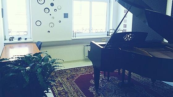 Glasbena šola B.A.S.E. Ptuj - klavirska soba