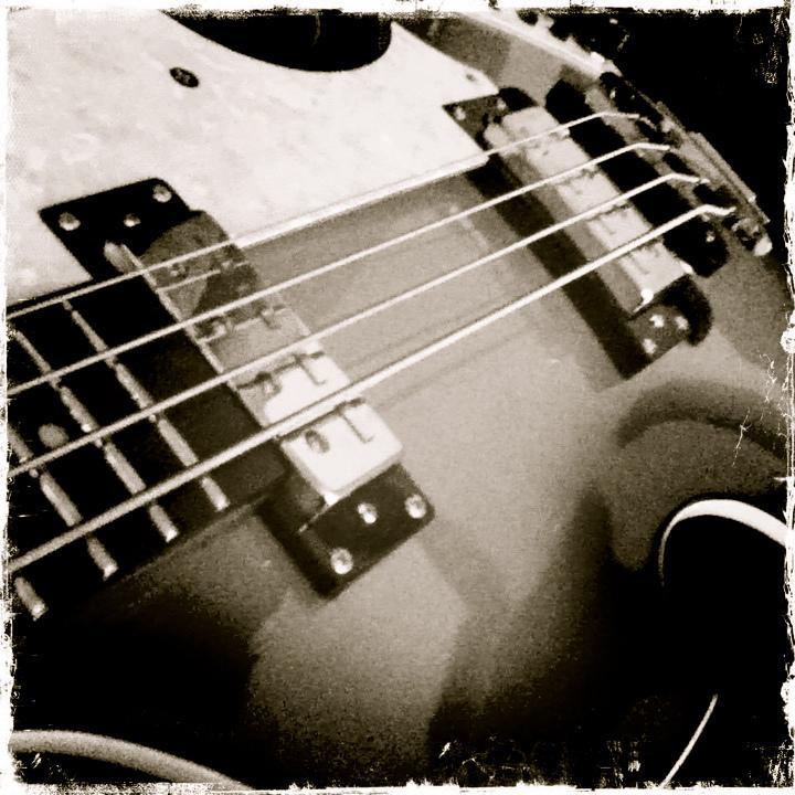 slika izbira bas kitare