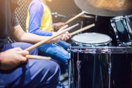 Odnos z mentorjem bobnov