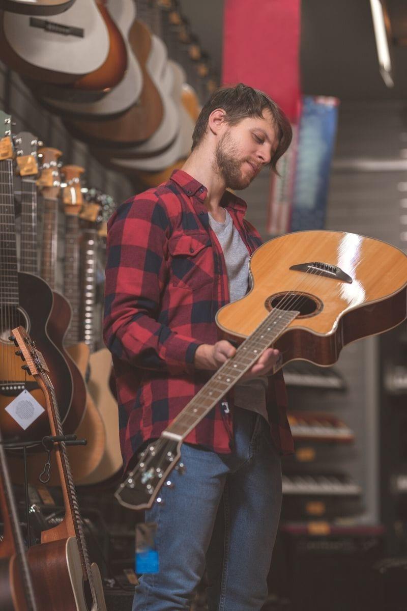 katero kitaro izbrati