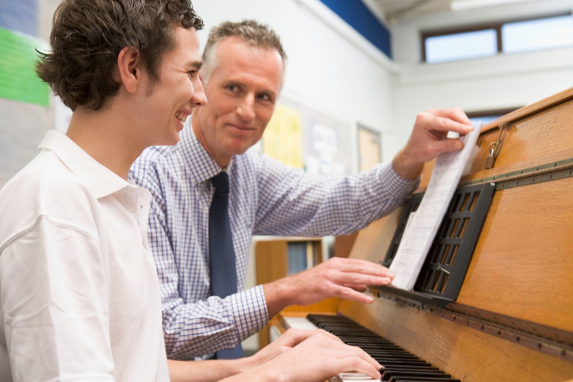 Mentor klavirja