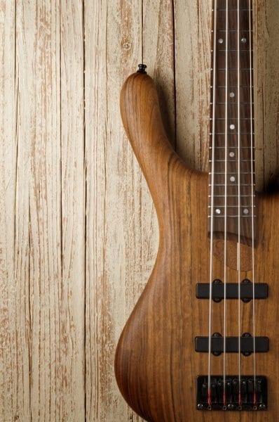 Izbira bas kitare