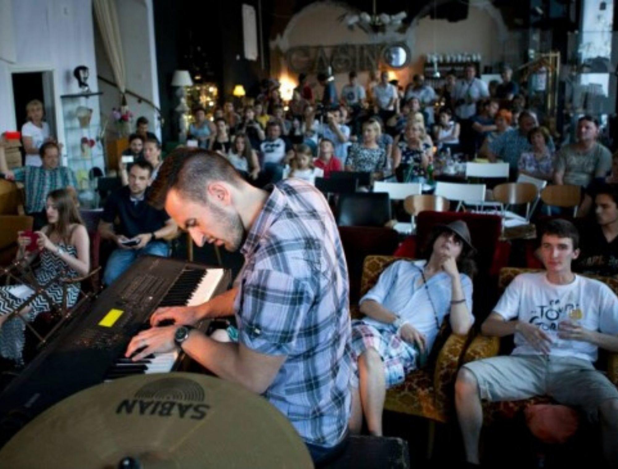 Glasbena šola B.A.S.E. največja glasbena šola v Sloveniji